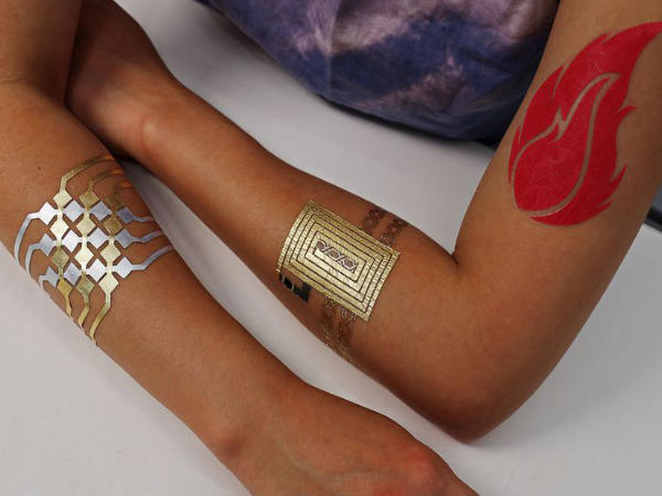 'Smart' tattoo that can remotely control smartphone