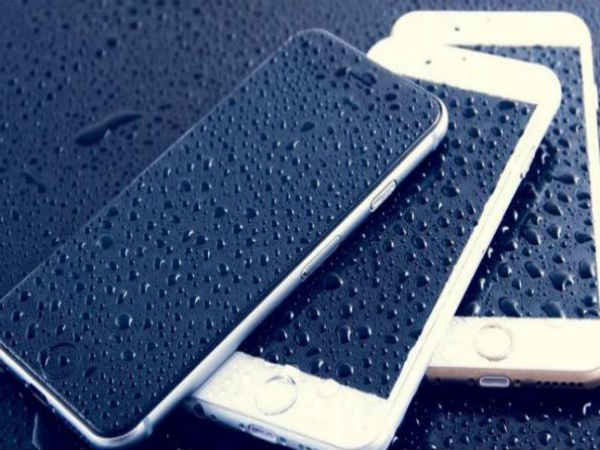 Do These 10 Things to Save Your Smartphone During Rainy Season