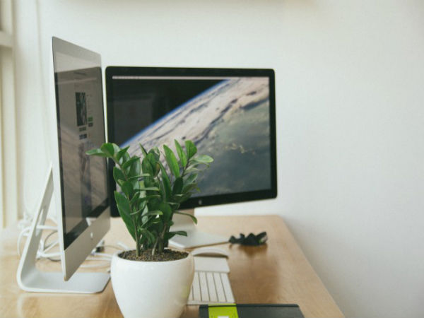 Try These 8 Tips to Reduce the Power Consumption of Your Computer