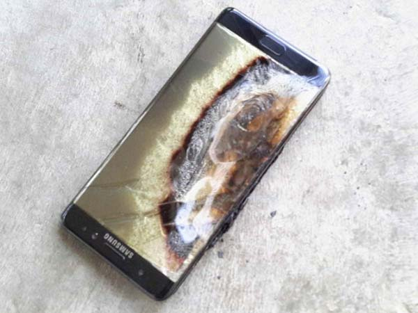 Why are the Note 7 batteries exploding?