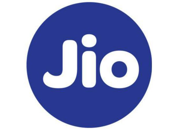 Reliance Jio Reportedly Sending Invitations to Try GigaFiber Service!