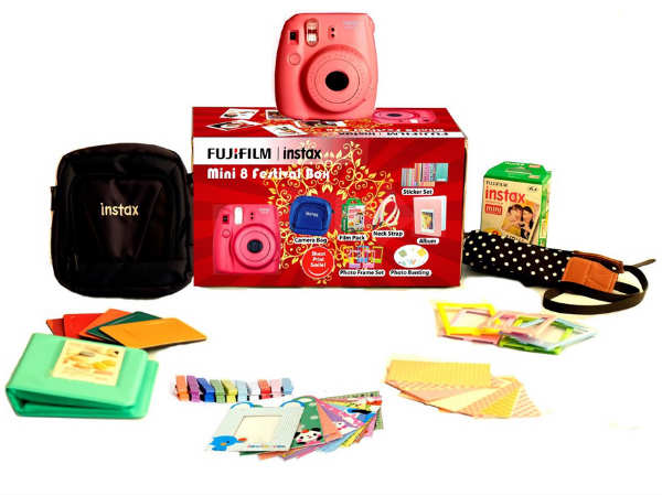 Grab FujiFilm Instax Mini 8 Combos at Great Discounts