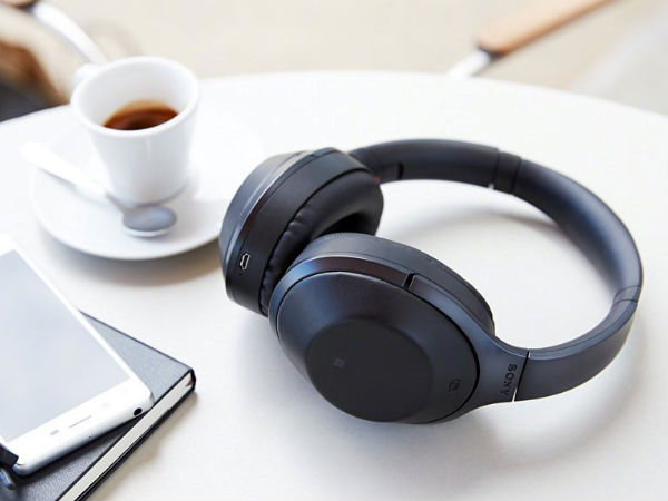 Sony unveils new noise-cancelling headphone
