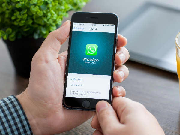 WhatsApp for Android Gets Updated with 5 New Camera Features