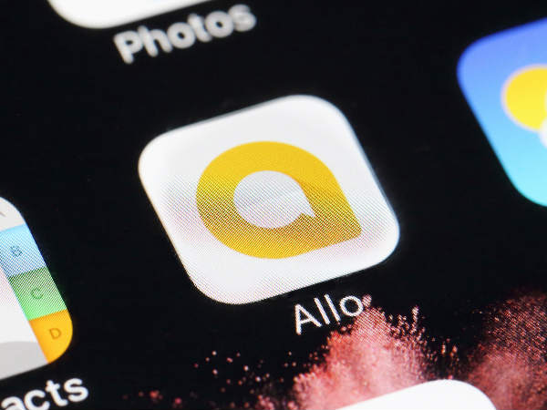 Google rolls out new themes, smart stickers for Allo