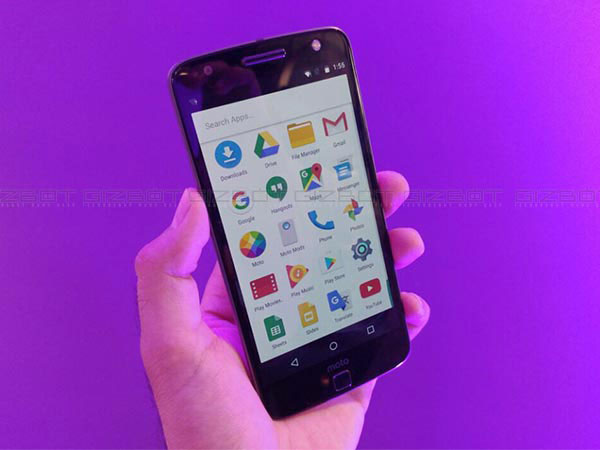 Motorola Moto Z Play will start receiving Android Nougat by the end of January