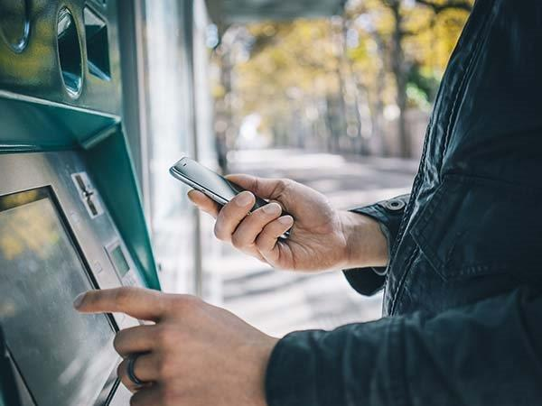 Quick Trick To Spot Nearby ATMs With Cash and Shorter Queues