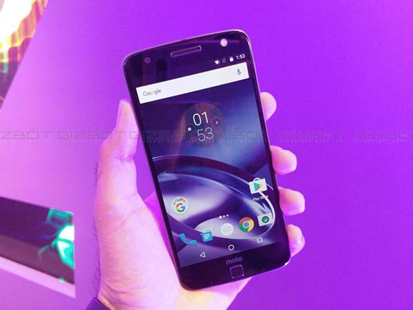 Moto Z Users Start Receiving Android 7.0 Nougat Update