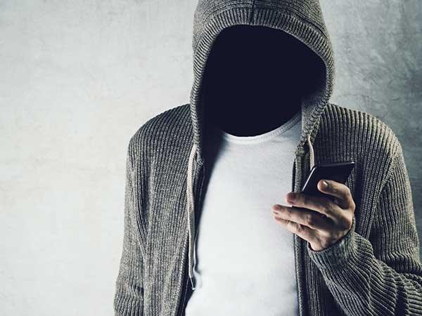 Delete these 4 Apps to Protect Yourself From Cyber Attacks!