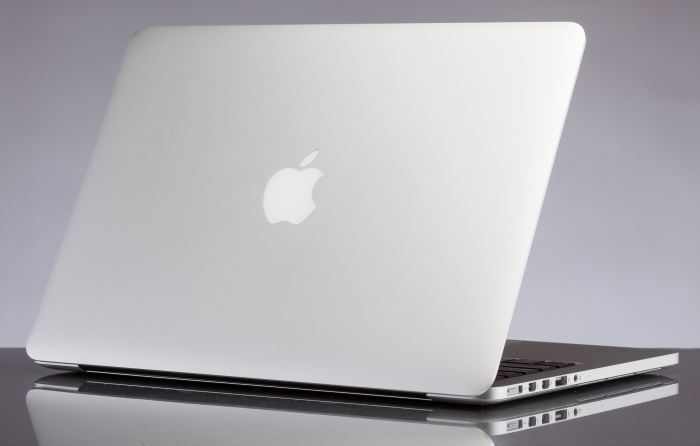 PCs that look similar to a MacBook