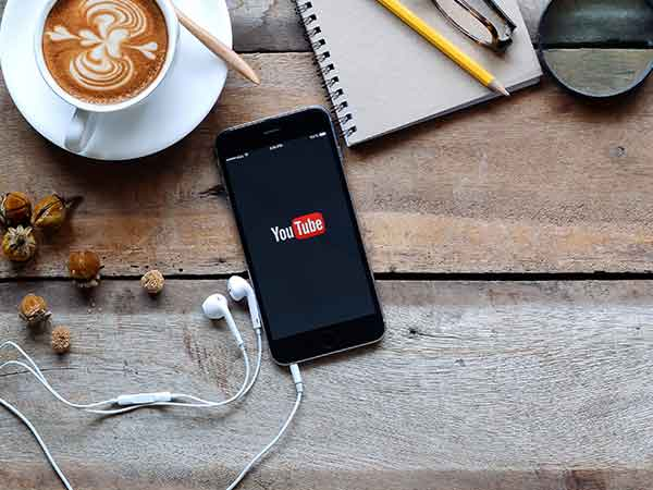 A Simple Trick to Play YouTube Audio in Background on iOS