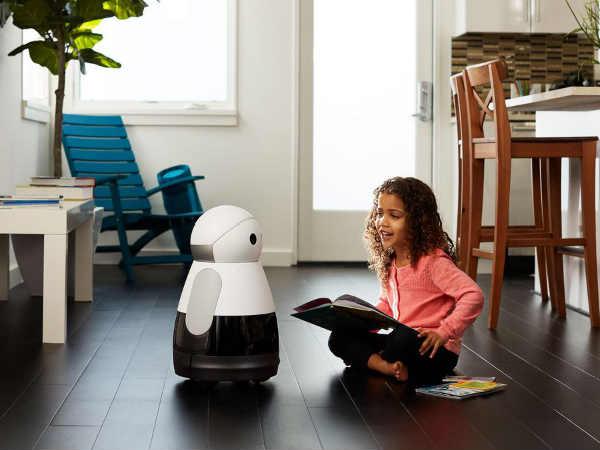CES 2017 Introduces Advanced Robotics: Kuri is the Show-stopper