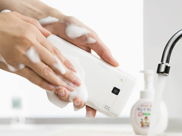 You can literally wash this Smartphone with soap
