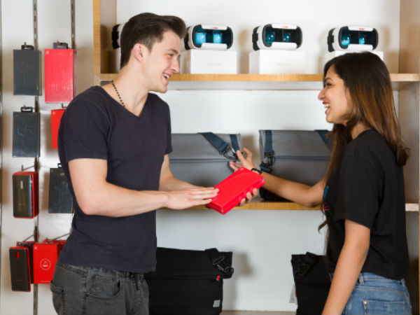 OnePlus Opens its First 'Experience Store' in India