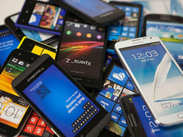 Government directs Indian companies to make sub-Rs 2,000 smartphones