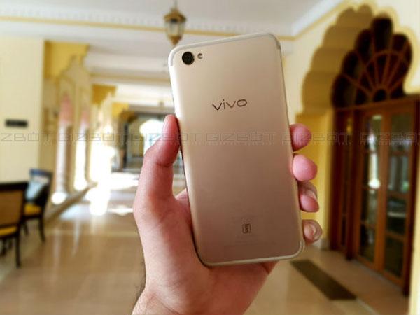 vivo v5 plus review engineered to win the selfie war gizbot. Black Bedroom Furniture Sets. Home Design Ideas