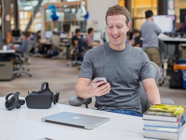 Facebook shareholders want Mark Zuckerberg removed