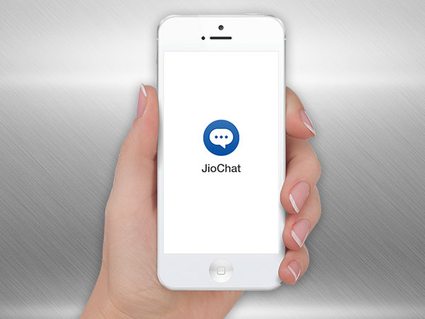 Jiochat will send money instatly from its window