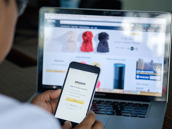 Outfit Compare -  Amazon's new feature guides you what to wear