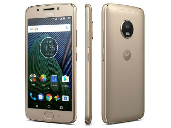 Moto X 2017 Images leaked; Reveal Front Flash and Fingerprint Scanner