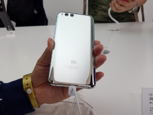 Xiaomi Mi Mix 2 may have a new, better earpiece
