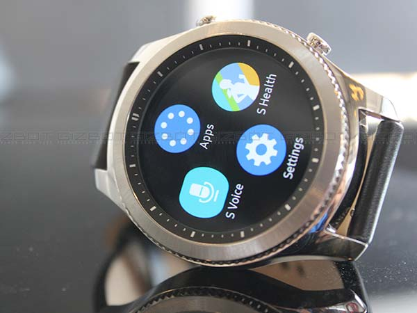 Samsung Gear S3  receives a 'Value Pack' update
