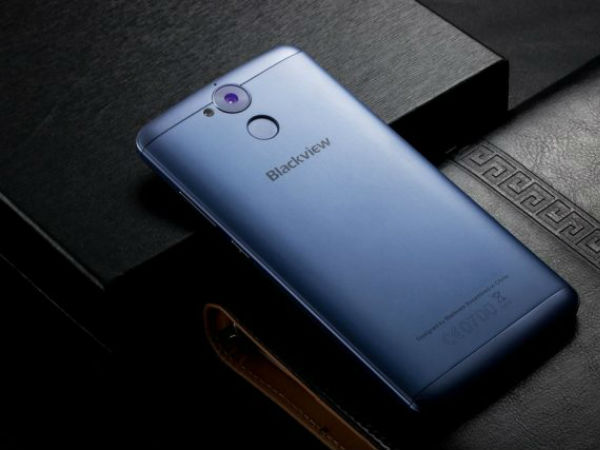 Blackview P2 Lite with its big battery can function as a power bank