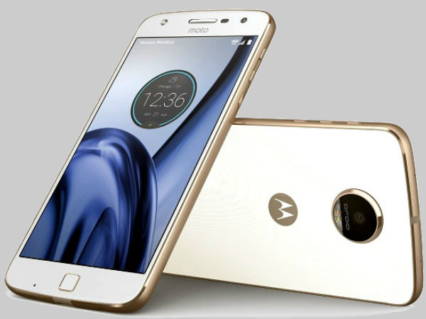 Moto Z2 Play live images leaked along with retail box and other components