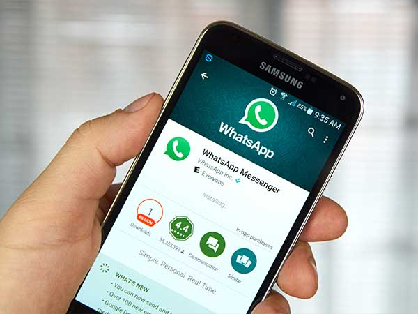 WhatsApp Adds Night Mode Feature to In-App Camera in iPhones