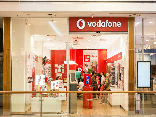 Vodafone India reports 13.9% decline in services revenue