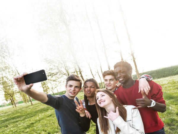 Click group selfies with the 100 degree wide angle front camera