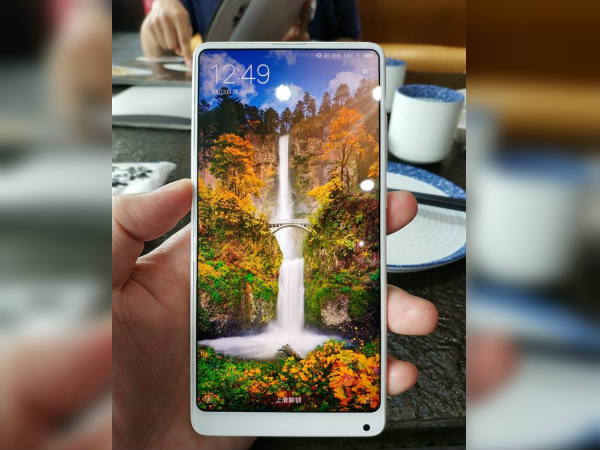 Xiaomi Mi Mix 2 White ceramic version is a treat for the eyes