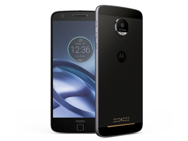 Motorola Moto Z (MRP: Rs 39,999   Offers Price: Rs 19,999 )