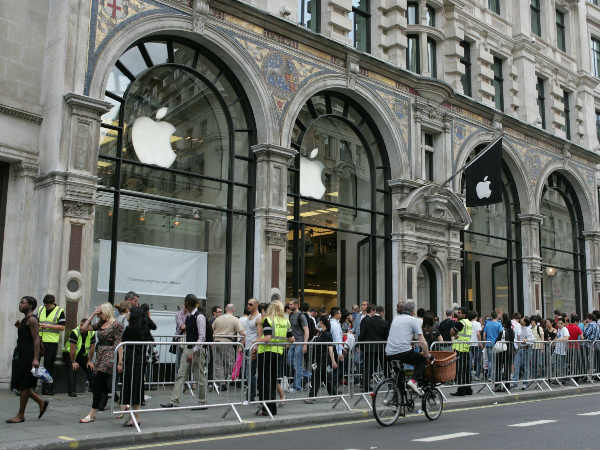 Apple fans queue outside stores for new iPhone X in India
