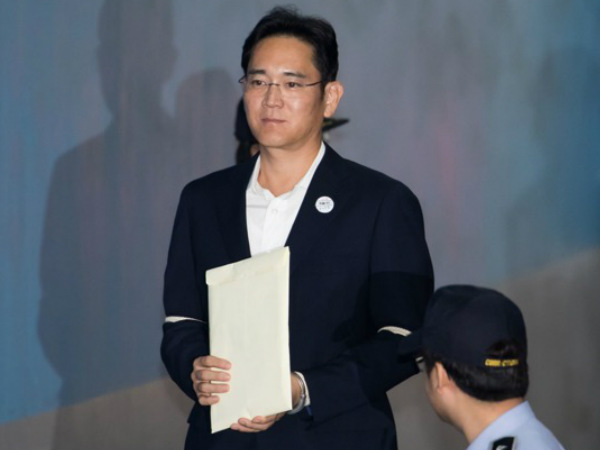 Prosecutors seek 12-year jail term for Samsung Vice Chairman, Jay Y Le