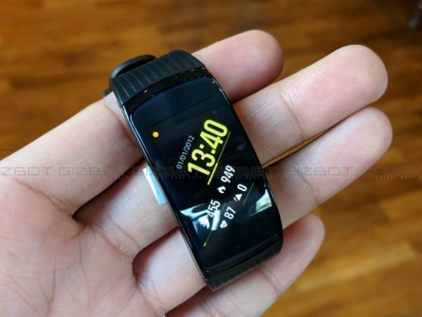 Samsung Gear Fit 2 Pro to be available starting December 11 exclusively on Flipkart
