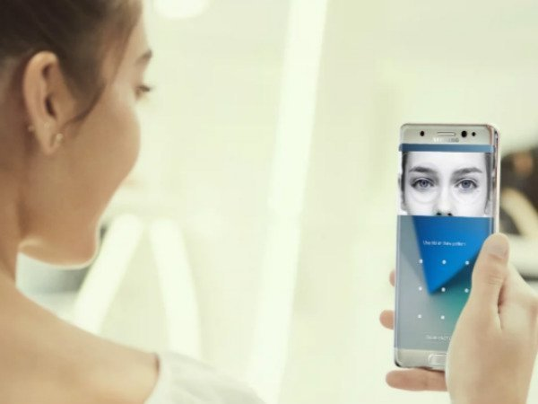 Samsung to implement iris scanner on budget and mid-range phones by 2019