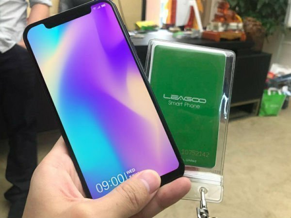 This iPhone X lookalike phone features 6GB RAM, 128GB internal storage