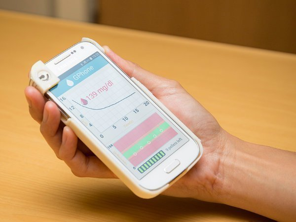 Researchers develop a smartphone case that monitors blood sugar levels on the go