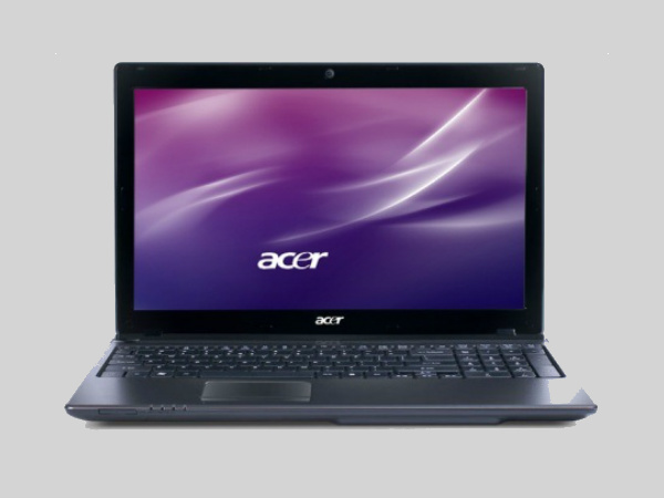 Government gives free Acer laptops to 31,000 degree college students