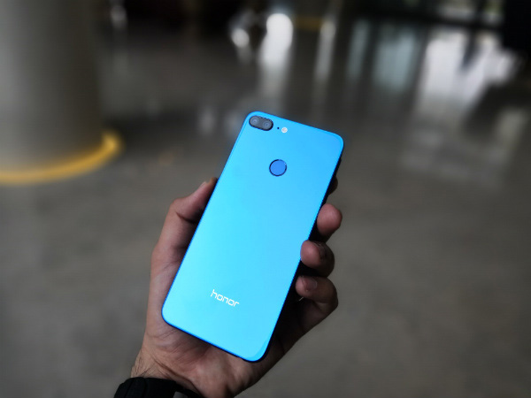 Honor 9 Lite offers the most feature packed camera in its price-point