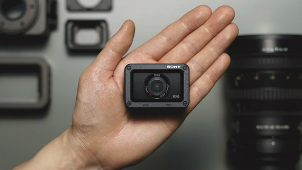 Sony introduces new waterproof ultra-compact RX0 camera in India