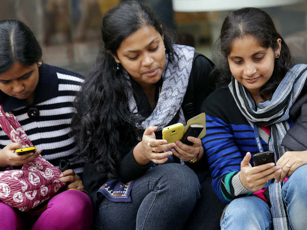 Telcos plan to launch 4G smartphones at Rs. 500 in India