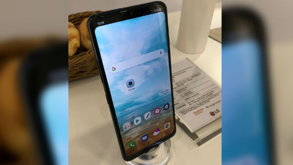 LG G7 live images show iPhone X-like notch, vertical dual rear cameras