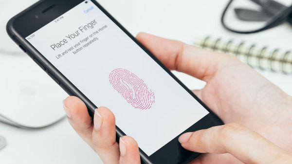 Apple accused of stealing fingerprint scanning tech by Koran firm
