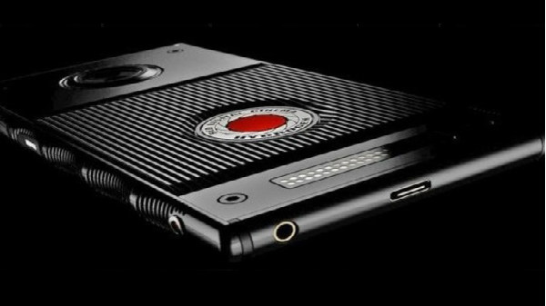 Red Hydrogen One smartphone to hit the shelves this summer