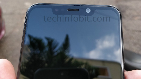 Moto One Power with notch display leaks via hands-on images