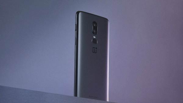 OnePlus 6 256GB variant in Midnight Black color available offline today