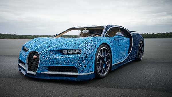 Lego builts a Buggati Chiron with over one million Technic pieces