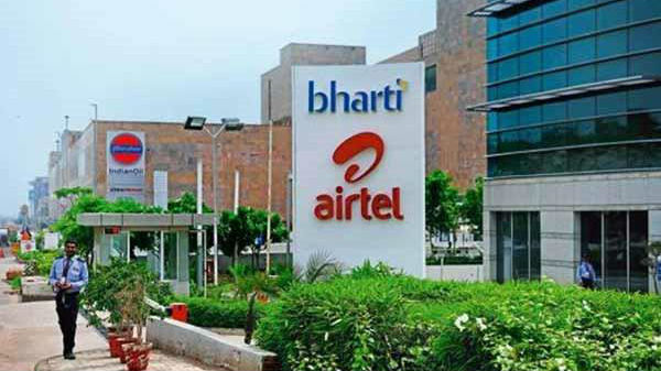 Bharti  Airtel launches 6 new prepaid combo packs to take on Vodafone